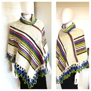 VTG 70s Wool Knit Poncho. Size Small Nuetral/Grn